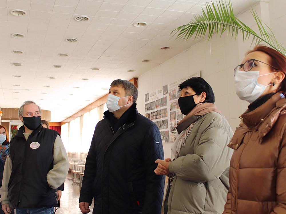 Глава города Дзержинска Иван Носков посетил наш театр с рабочим визитом...